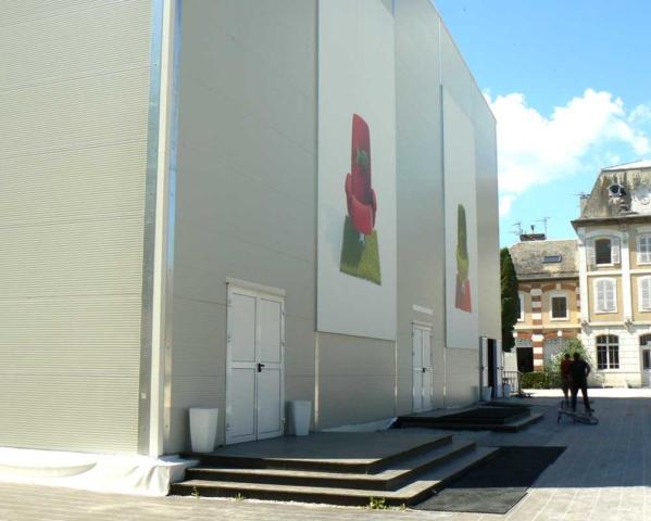 accès public de la salle de spectacle de théâtre